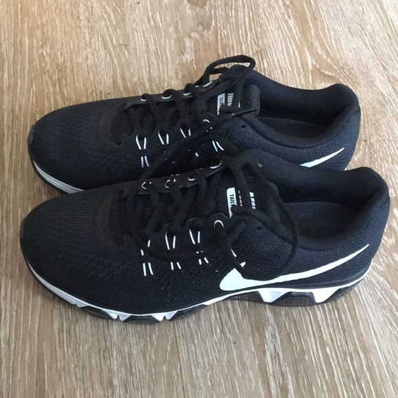 Nike Womens Air Max Tailwind 8 Sneakers